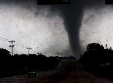 Tornados no Texas matam uma pessoa e deixam pelo menos 50 feridos