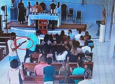 Homens armados interrompem missa e fazem arrastão em igreja