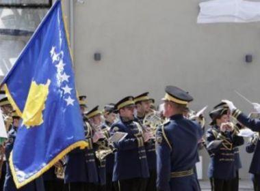 Após moção de censura, governo do Kosovo cai; novas eleições ocorrem em 45 dias