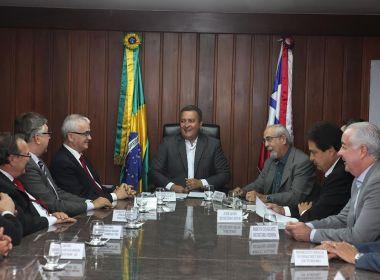 Governador assina decreto que reduz ICMS de querosene para empresas aéreas