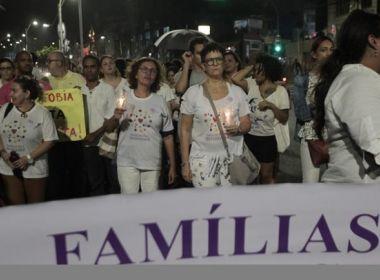 Coletivos realizam protesto contra LGBTfobia no Rio Vermelho