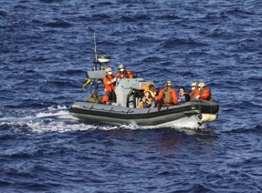 Guarda costeira da Itália resgata 484 migrantes em barcos de borracha no Mediterrâneo