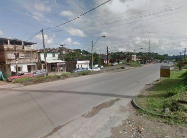 Protesto atravessa ônibus na Estrada do Derba por morte de homem que furou blitz