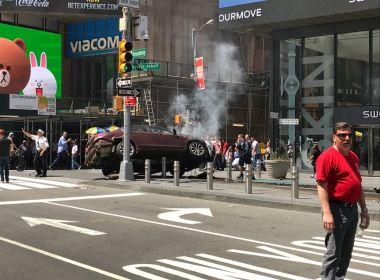 Carro invade calçada da Times Square, em Nova York, e deixa pelo menos 1 morto e 12 feridos