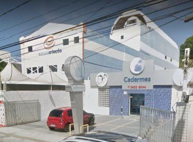 Homem é feito de refém em assalto à clínica na Pituba; suspeito está na delegacia