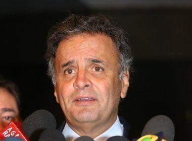 Aécio Neves deixa comando do PSDB e indica Tasso Jereissati para seu lugar
