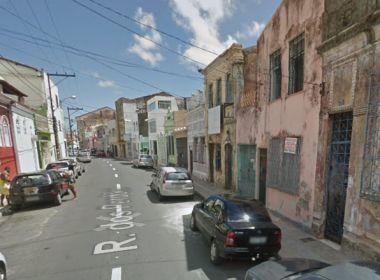 Muro de casarão desaba no Santo Antônio; Codesal faz vistoria