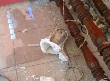 Homem destrói imagens sacras em igreja de Fortaleza durante momento de orações