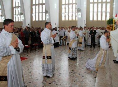 Dom Murilo celebra 'formatura' de cinco novos padres para Salvador