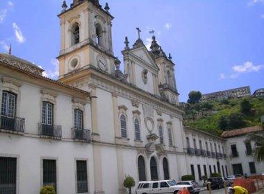 Casamento coletivo da PM reúne 47 casais em igreja da Cidade Baixa