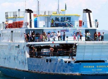Passageira de ferry boat se joga no mar, mas é resgata pela tripulação