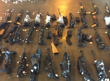 Polícia apreende 60 fuzis de guerra em aeroporto no Rio de Janeiro
