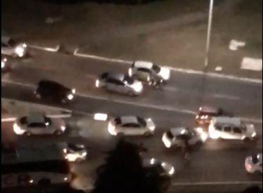 Vídeo registra ação de três homens no Itaigara; Polícia não confirma arrastão