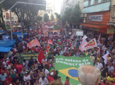 Caminhada nesta terça convoca população para greve geral no dia 30
