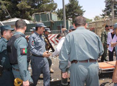 Atentado suicida em Cabul mata pelo menos 20 pessoas; outras 55 estão feridas