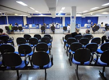 Governo discute parcelamento do FGTS para economizar no seguro-desemprego