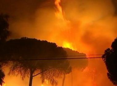 Incêndio deixa mais de 2 mil desabrigados e ameaça reserva natural na Espanha