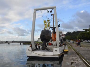 Boia substituta de equipamento que se desprendeu na Barra será instalada nesta sexta
