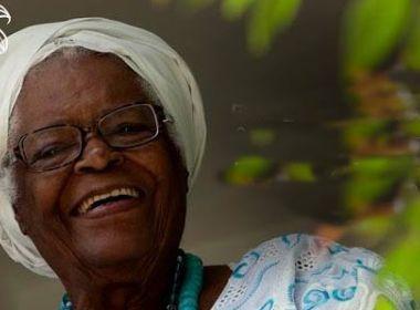 Internada desde o dia 28, Mãe Stella de Oxóssi recebe alta