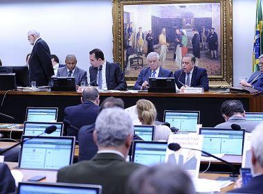 Após encontro com presidente, Félix não vota novamente denúncia contra Temer na CCJ
