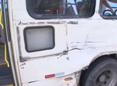Colisão entre ônibus e caminhão deixa feridos em frente ao Sesc Piatã