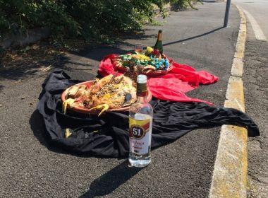 Oferendas com cachaça brasileira em rua da Itália viram caso de polícia