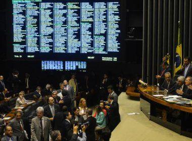 Projeto quer permitir a eleitores terminar mandato de políticos antes do tempo