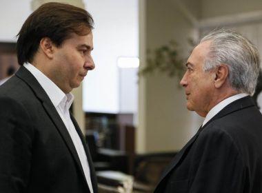 Maia aconselha Temer a proibir divulgação de estimativas para a votação de denúncia