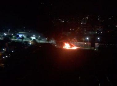 Ônibus é incendiado em Tancredo Neves; 2° caso em menos de 24h, informa SSP