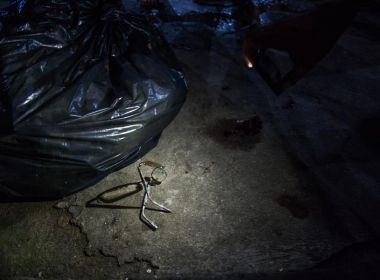 Morador de favela no Rio é assassinado a tiros por helicóptero da PM