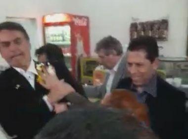 Jair Bolsonaro leva ovada durante visita a Ribeirão Preto