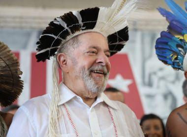 Lula é assediado em caravana pelo Nordeste após viuvez e brinca: 'Na ativa'