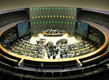 Fim de coligações e imposição de cláusula de barreira são aprovadas em comissão da Câmara