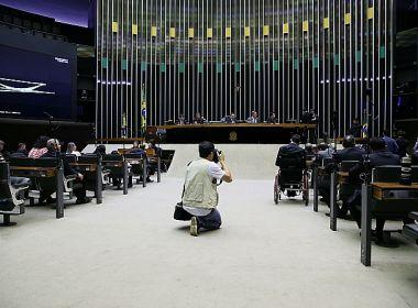 Reforma 'obriga' políticos a buscarem novos ninhos e especulações ganham força