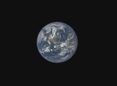 Numerólogo diz que planeta se chocará com Terra e destruirá o mundo no próximo sábado