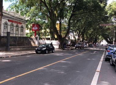 Bandidos assaltam Santander na Vitória; informações iniciais apontam que há reféns