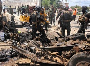 Dois ataques com carros-bomba matam pelo menos 22 pessoas na Somália