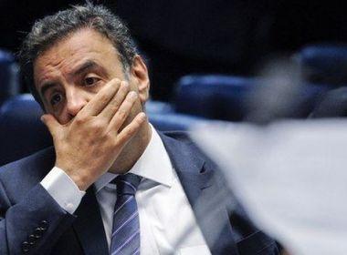 Cúpula dá ultimato a Aécio para deixar presidência do PSDB definitivamente