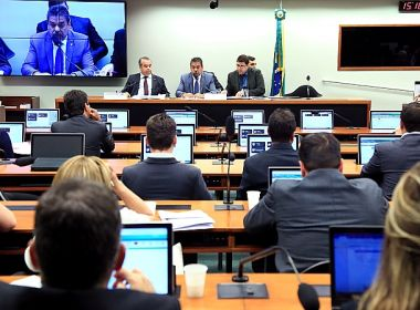 Maioria dos baianos votou a favor de denúncia contra Temer na CCJ; veja lista de votação