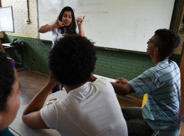 MEC pretende apoiar formação de professores para educação de surdos