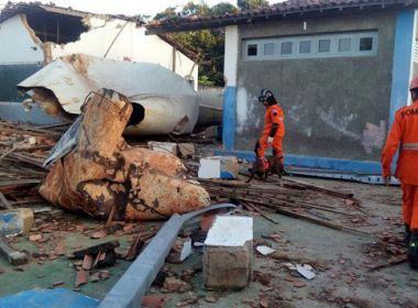 Duas crianças morrem após caixa d'água despencar sobre escola no Sergipe