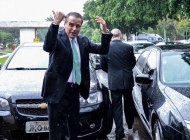Filha relata que Henrique Alves só tem reclamado do banho gelado na prisão