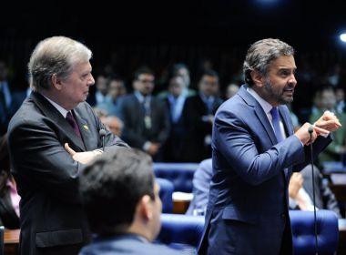 Aécio afasta Tasso da presidência interina do PSDB e indica aliado