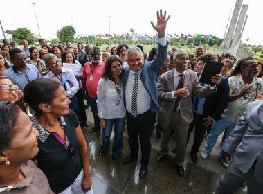 Angelo Coronel volta da China e reassume presidência da AL-BA