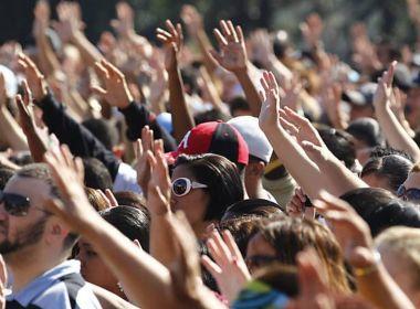 Evangélicos representam 30% do eleitorado; igrejas arrecadam R$ 25 bi em doações
