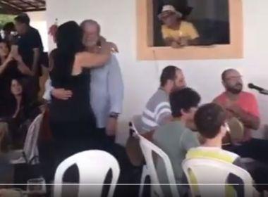 José Dirceu é filmado sambando em festa; vídeo foi divulgado pela esposa do ex-ministro