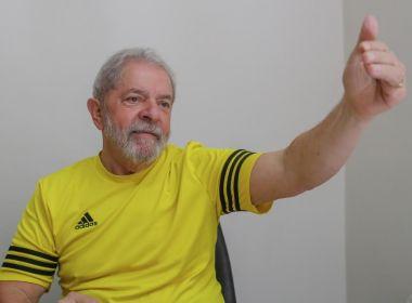 Lula diz que quer disputar eleição 'com alguém com o logotipo da Globo na testa'