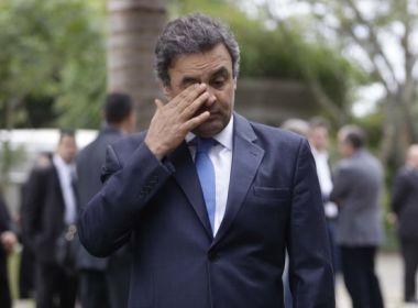 Aécio Neves é vaiado e deixa Convenção Nacional do PSDB após 40 minutos