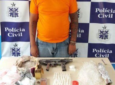 Jovem é preso com drogas e submetralhadora em Feira de Santana