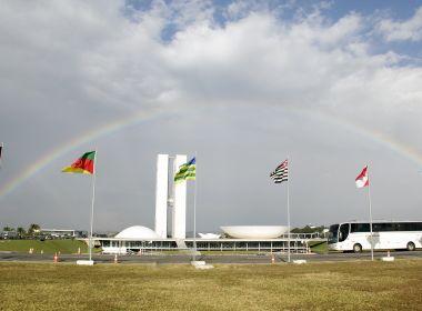Quase 42% dos brasileiros pretendem anular voto para deputado federal